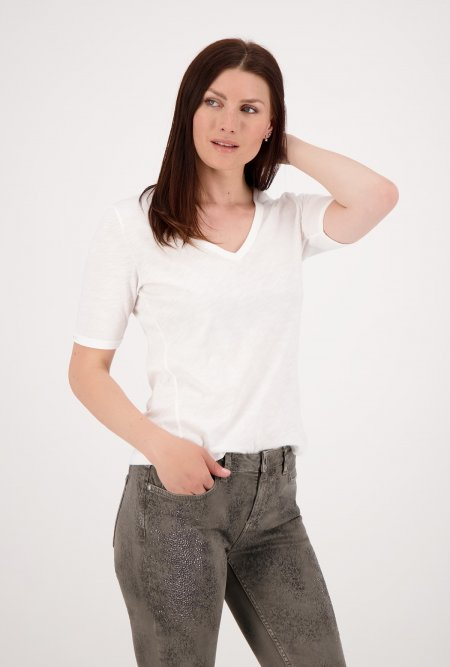 Basic_Flammgarn_T-Shirt_mit_V-Ausschnitt-Weiß-Off-White-monari